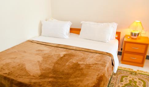 en-suite-room2