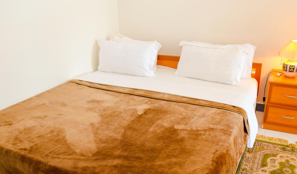 en-suite-room3